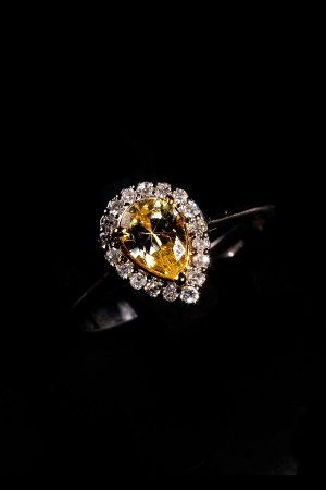 Noni diamond ring