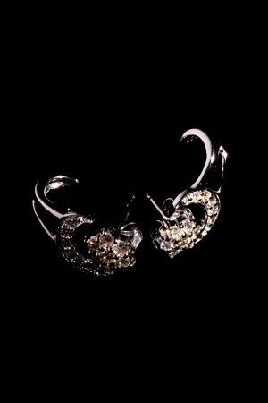 Ephelia diamond earring